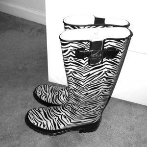 Shoes - New Never Worn Zebra Rain Boots